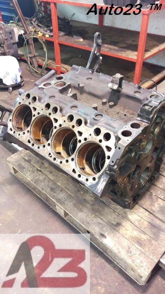bloc-moteur LIEBHERR D28 E5 Crankcase MAN V8 (D2868LF) pour excavateur